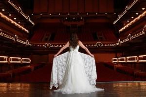 Robe de mariée en dentelle - Forum de Liège - Dos